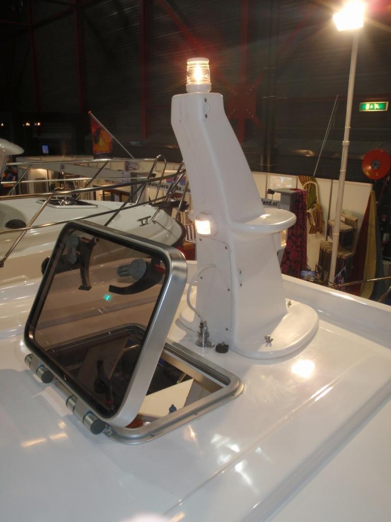 Tacar Mini Trawler mast