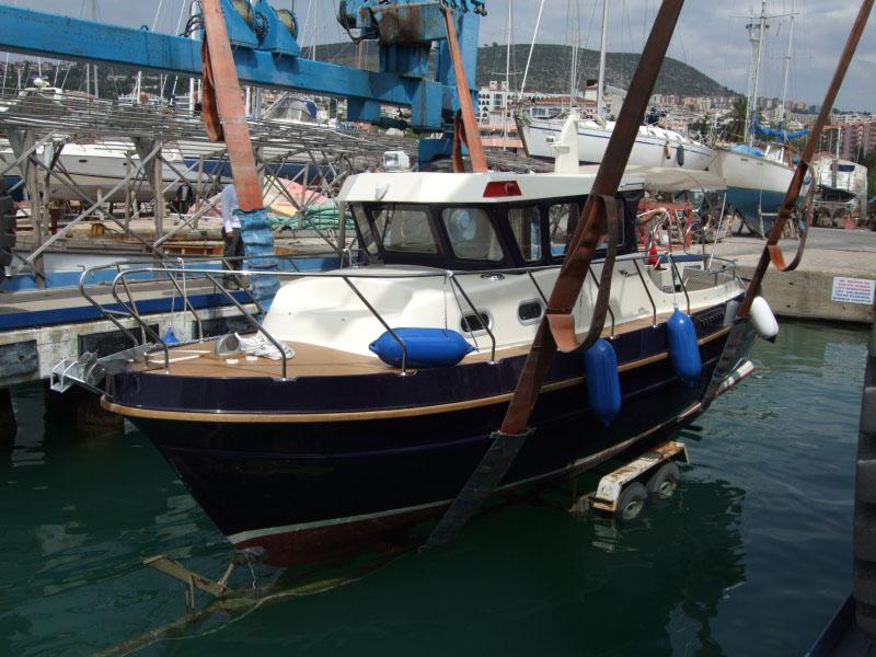 Tacar Mini Trawler while launching